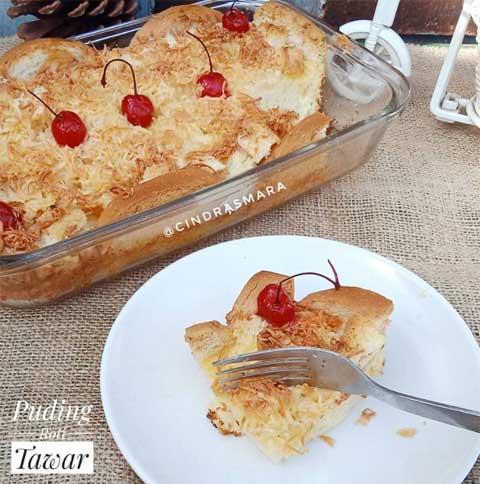 Resep puding roti tawar topping cherry